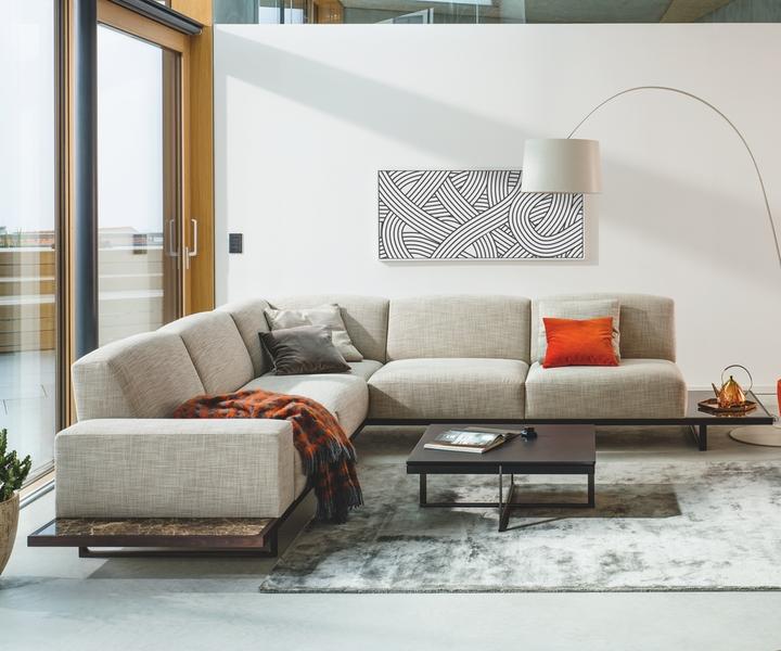 neues palais sofa von wittmann bei wohnidee luzern. Black Bedroom Furniture Sets. Home Design Ideas